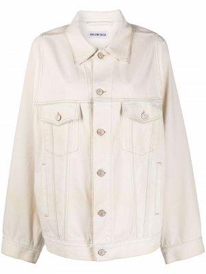 Джинсовая куртка с объемными рукавами Balenciaga. Цвет: нейтральные цвета