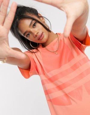 Платье-футболка кораллового цвета с большим логотипом -Оранжевый adidas Originals