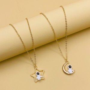 Ожерелье с декором космонавта для девочек SHEIN. Цвет: золотистый