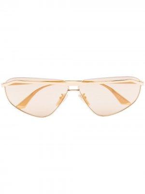 Солнцезащитные очки в прямоугольной оправе Balenciaga Eyewear. Цвет: золотистый