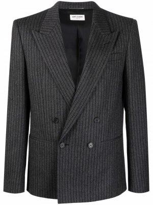 Двубортный пиджак в полоску Saint Laurent. Цвет: серый