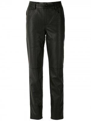 Прямые брюки Eva. Цвет: черный