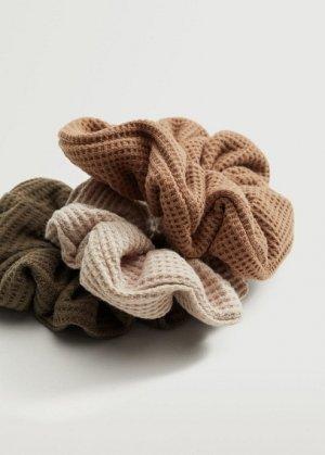 Комплект 3 резинки для волос - Textu Mango. Цвет: коричневый