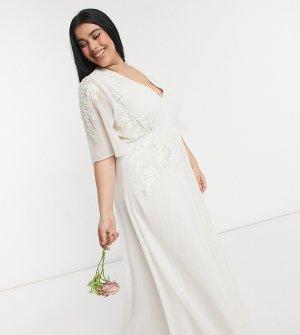 Свадебное платье макси цвета слоновой кости с глубоким вырезом Hope & Ivy-Белый Ivy Plus