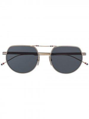 Солнцезащитные очки-авиаторы без моста Thom Browne Eyewear. Цвет: серебристый