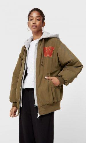 Куртка-Бомбер Объемного Кроя С Капюшоном Хаки S Stradivarius. Цвет: хаки