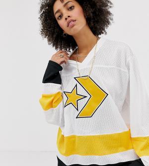 Белый трикотажный oversize-лонгслив в хоккейном стиле Converse
