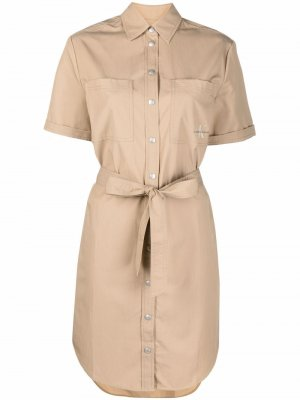 Платье-рубашка с логотипом Calvin Klein Jeans. Цвет: нейтральные цвета
