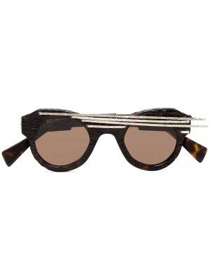 Солнцезащитные очки L1 в оправе кошачий глаз Kuboraum. Цвет: черный
