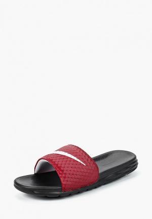 Сланцы Nike Benassi Solarsoft Slide. Цвет: бордовый