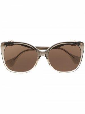 Солнцезащитные очки в оправе кошачий глаз Gucci Eyewear. Цвет: серый