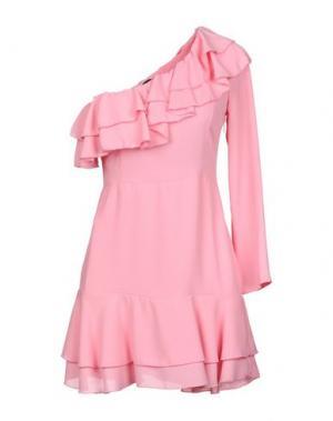 Короткое платье DENNY ROSE. Цвет: розовый