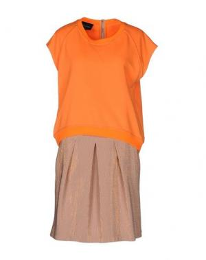 Короткое платье ATOS LOMBARDINI. Цвет: оранжевый