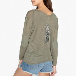 Пуловер из тонкого трикотажа льна и рисунком перо сзади PAULA BERENICE. Цвет: хаки