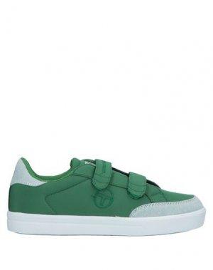 Низкие кеды и кроссовки SERGIO TACCHINI. Цвет: зеленый