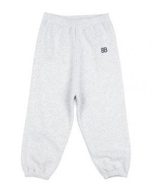 Повседневные брюки BALENCIAGA KIDS. Цвет: светло-серый