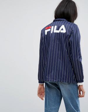 Ветровка в тонкую полоску с логотипом на спине Fila Tall. Цвет: темно-синий