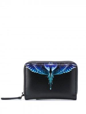 Кошелек на молнии с принтом Wings Marcelo Burlon County of Milan. Цвет: черный