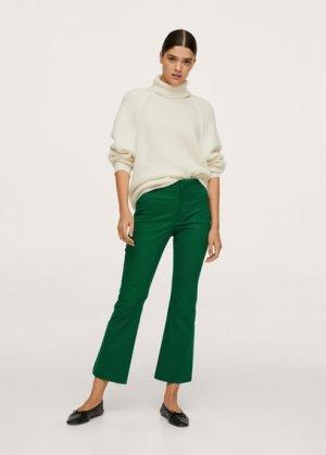 Укороченные брюки flare - Trumpet2 Mango. Цвет: зеленый