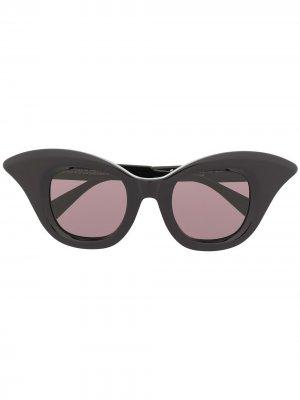 Солнцезащитные очки B20 в оправе кошачий глаз Kuboraum. Цвет: черный