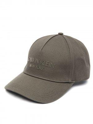 Twill logo-print cap Calvin Klein. Цвет: зеленый