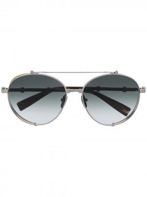 Солнцезащитные очки из коллаборации с Akoni Balmain Eyewear. Цвет: серебристый