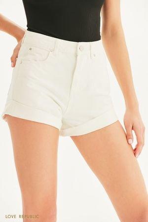 Короткие джинсовые шорты с отворотами LOVE REPUBLIC