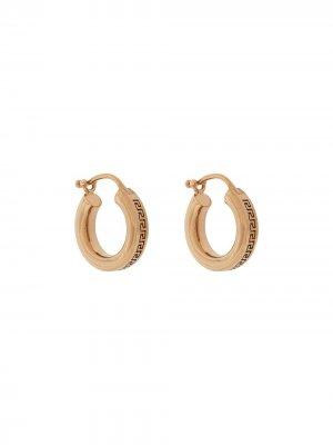 Маленькие серьги-кольца с узором Greca Versace. Цвет: золотистый