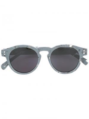 Солнцезащитные очки в круглой оправе Komono. Цвет: серый
