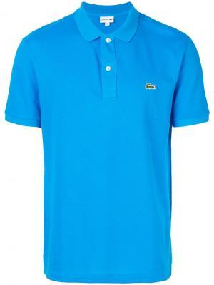Рубашка-поло с фирменной нашивкой на груди Lacoste. Цвет: синий