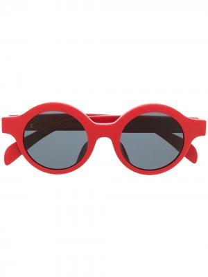 Солнцезащитные очки Downtown 2017-го года из коллаборации с Supreme Louis Vuitton. Цвет: красный