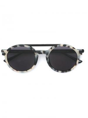 Солнцезащитные очки в круглой оправе Thierry Lasry. Цвет: телесный