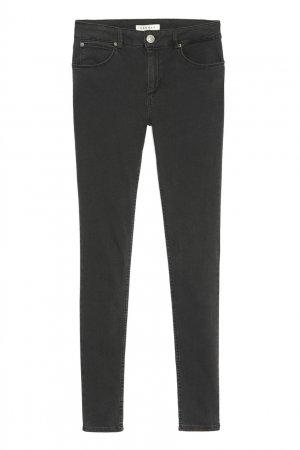 Черные зауженные джинсы Sandro. Цвет: черный