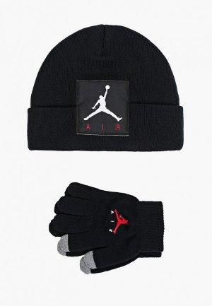 Комплект Jordan шапка + перчатки touchscreen. Цвет: черный