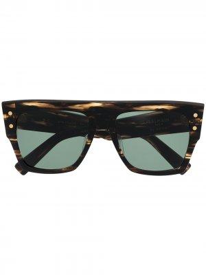 Солнцезащитные очки в квадратной оправе Balmain Eyewear. Цвет: коричневый