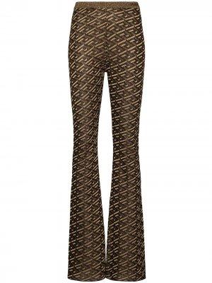 Расклешенные брюки с узором La Greca Versace. Цвет: черный