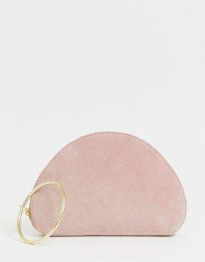 Замшевый полукруглый клатч с кольцом на запястье -Розовый ASOS DESIGN
