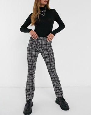 Расклешенные брюки в винтажную клетку -Серый Daisy Street