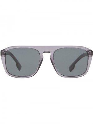 Солнцезащитные очки в квадратной оправе Burberry Eyewear. Цвет: серый