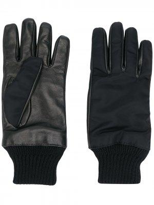 Перчатки с карманом на молнии Alexander McQueen. Цвет: черный