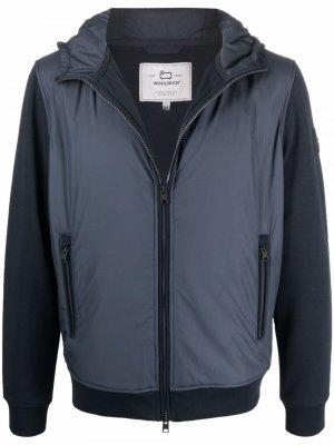 Легкая куртка на молнии с капюшоном Woolrich. Цвет: синий