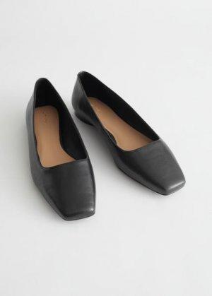 Кожаные балетки с квадратным носком &Other Stories. Цвет: черный