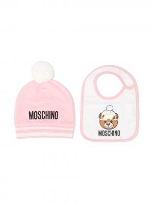 Комплект из шапки бини и нагрудника Moschino Kids. Цвет: розовый