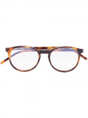 Очки в круглой оправе черепаховой расцветки Saint Laurent Eyewear. Цвет: коричневый