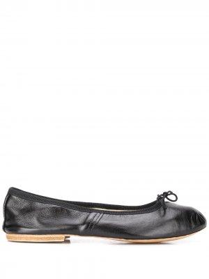 Балетки на низком каблуке A.P.C.. Цвет: черный