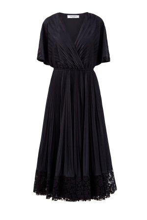 Платье в стиле спортшик с кружевом Heavy Lace ручной работы VALENTINO. Цвет: черный