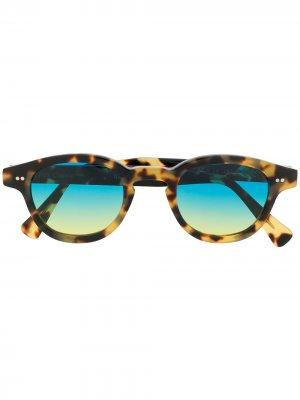 Солнцезащитные очки Bronte в квадратной оправе Epos. Цвет: коричневый