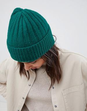Зеленая шапка-бини в рубчик с отворотом ASOS DESIGN. Цвет: зеленый