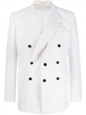Двубортный пиджак Alexander McQueen. Цвет: белый