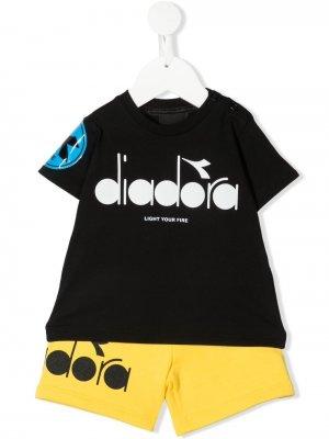 Комплект из футболки и шортов с логотипом Diadora Junior. Цвет: черный